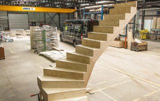 Koop een multiplex ondertrap (MTX) i.p.v. een betonnen ondertrap. Goedkoper, sneller en praktischer!