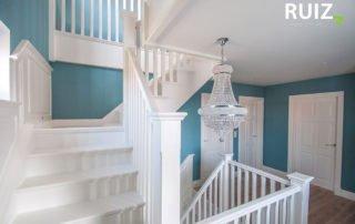 volledige witte cottage trap