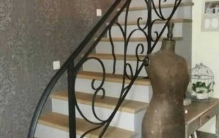 mooi uitgewerkte balustrade in gietijzer