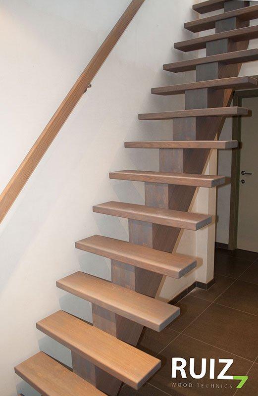 Design trappen limburg design op maat ruiz wood technics for Trap op maat bestellen