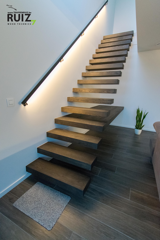 Muurgreep-ijzer-led-verlichting-design-trap